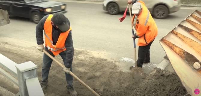 Брянские водители обматерили чистивших в час пик дороги рабочих