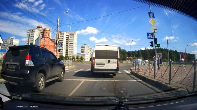 В Брянске водитель маршрутки отказалась довезти ребенка до школы