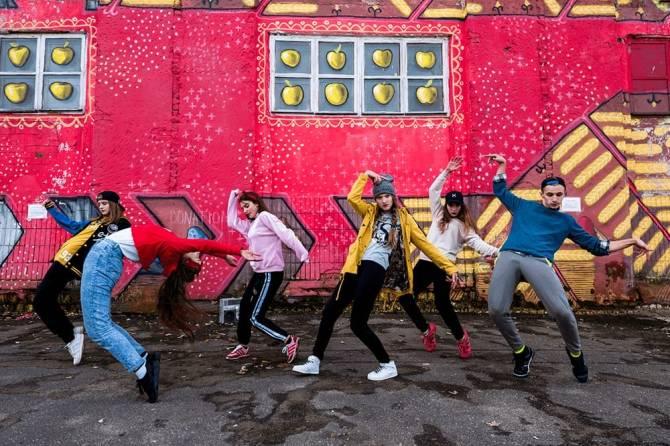 В Брянске на Кургане Бессмертия пройдёт флешмоб «Танцующий город»