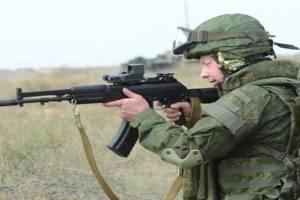 Брянских военных вооружили новыми автоматами АК-12