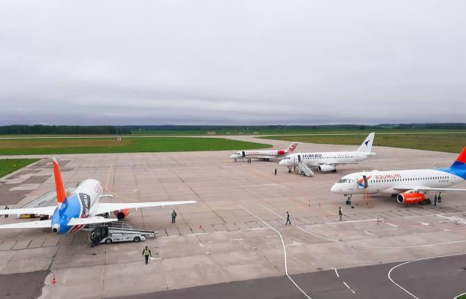 Самолет из Брянска не улетел в Краснодар из-за поломки шасси