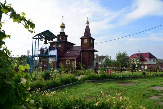Брянцев позвали на престольное торжество во Владимирский храм
