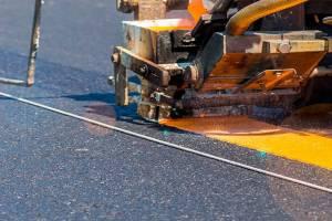 На брянских трассах 20 апреля начнут обновлять дорожную разметку