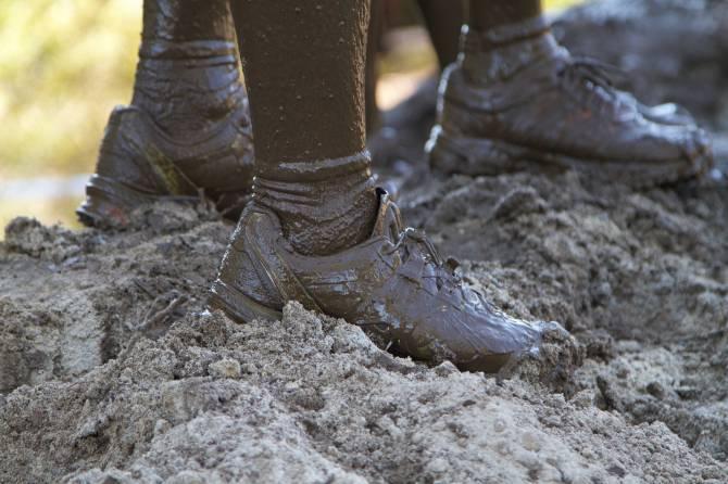 В Брянске пожаловались на непролазную грязь у остановки «Мечта»