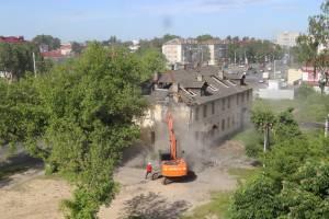 Жительницу Брянска насильно выселили из барака