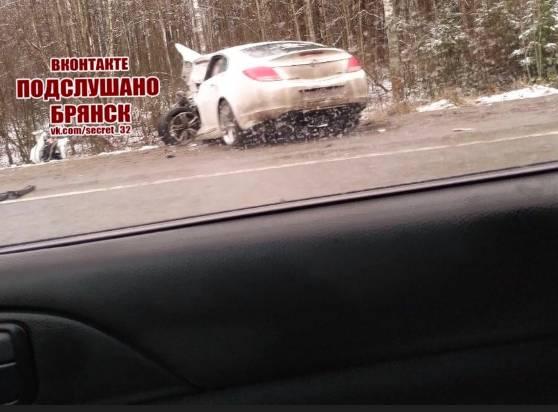 На трассе под Брянском в жутком ДТП погиб один человек