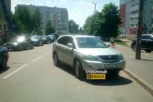 В Брянске автохам перекрыл дорогу к Бежицкому рынку