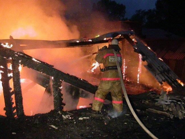 В Выгоничском районе сгорел жилой дом