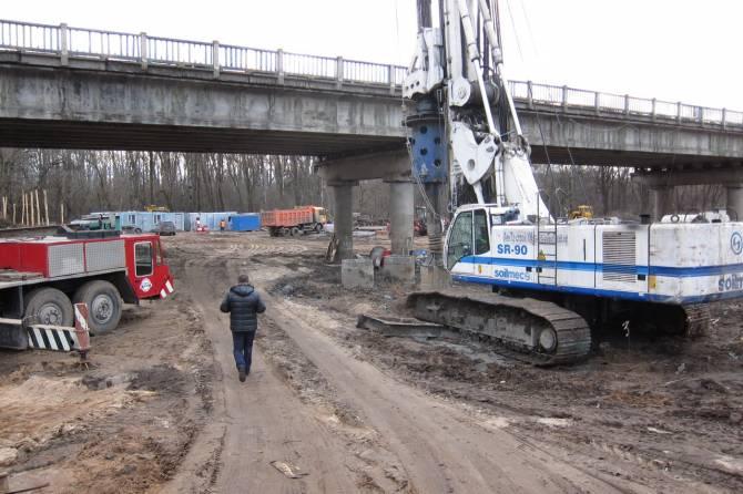 В Брянске строители Литейного моста изготовили более половины свай