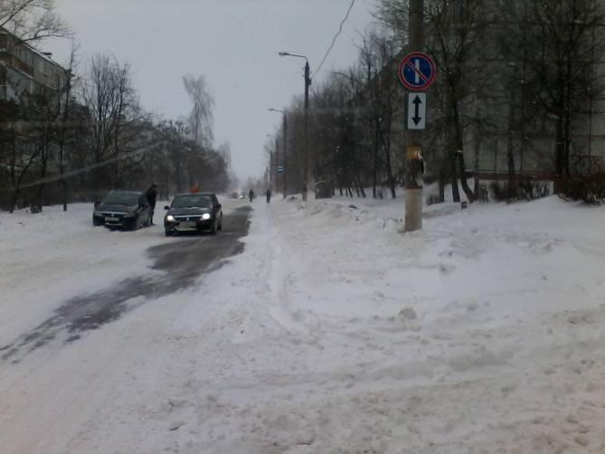 «Дубак и ледяные батареи»: в Брянске замерз целый микрорайон