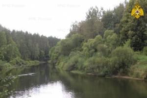 В Жуковке из реки подняли тело 28-летнего парня