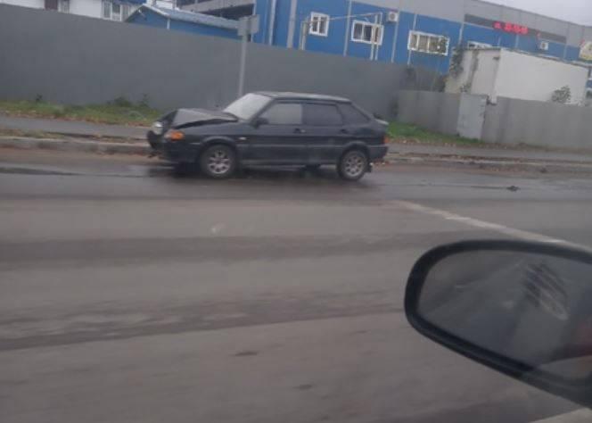 В Брянске на Литейной ВАЗ-21099 попал в ДТП