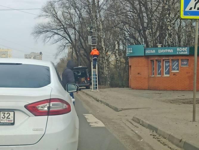 В Брянске на Станке Димитрова установили дорожную камеру