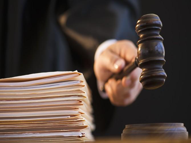 В Брянске экс-полицейских осудили за торговлю наркотиками