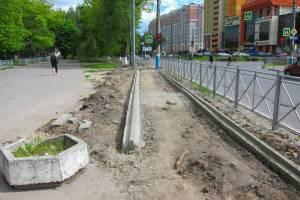 В Брянске на улице Бежицкой строят тротуары