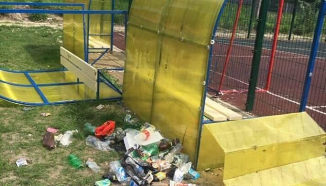 В Навле новую спортивную площадку разгромили два 14-летних подростка