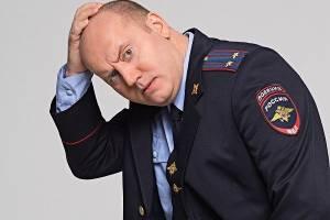 В Брянске погром автомобилей на улице Горбатова устроил пьяный полицейский