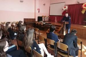 Брянские следователи позвали на работу климовских школьников