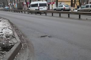 В Брянске нашли дефекты на 53 из 63 новых дорог