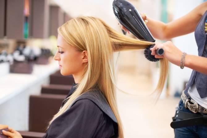 Брянские парикмахерские и салоны красоты ждет массовое разорение