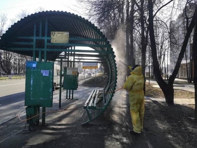 В Брянске предложили снова дезинфицировать от COVID-19 остановки