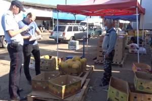 В Брянске на торговцев овощебазы составили 13 протоколов