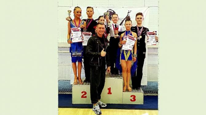 Брянские пары завоевали 5 золотых медалей в Смоленске