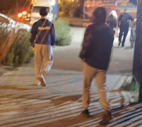В Клинцах пьяные малолетки разбили стекло в окне многоэтажки