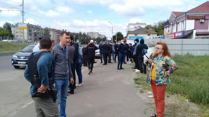 В Брянске на проспекте Московском произошла стрельба