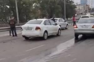 В Брянске сняли на видео массовое ДТП с участием маршрутки