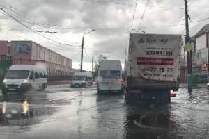 В Брянске после дождя традиционно затопило Бежицу