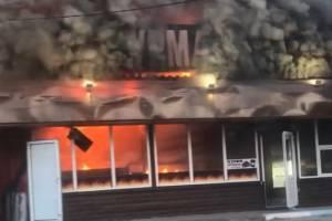 В Брянске загорелся ларек «Шаурма 24 House» на Литейной