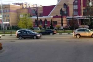В Брянске легковушка сбила у «Макдоналдса» 16-летнюю школьницу