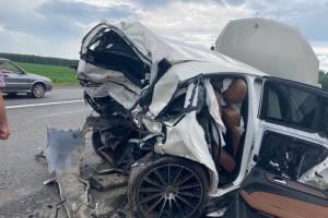 На брянской трассе произошло массовое ДТП: погиб 48-летний мужчина и ранен школьник