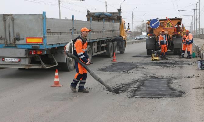 Подрядчики-бракоделы устраняют дефекты на дорогах Брянска
