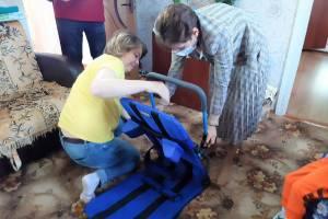 Брянцы купили для тяжелобольного мальчика лежак для купания за 33 тыс руб