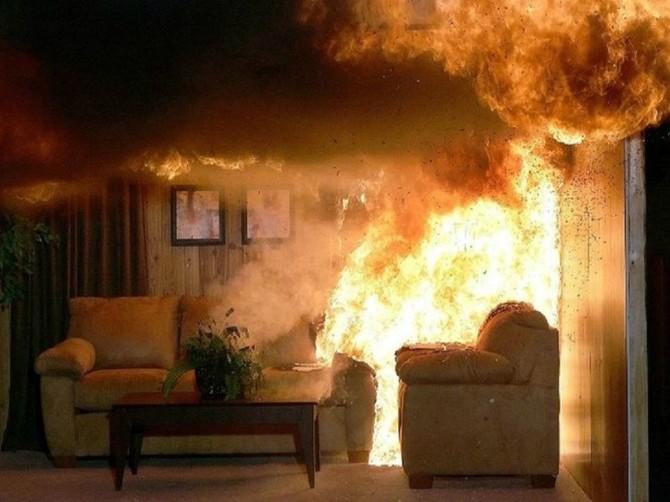 В Брянске на улице Камозина сгорела квартира в многоэтажном доме