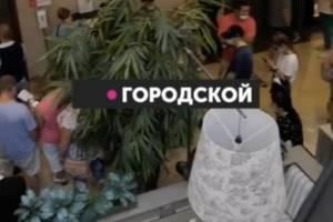 В брянском ТРЦ «Аэропарк» сняли видео очереди за прививкой от COVID-19