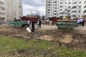 Владельцы снесённых гаражей на Романа Брянского устроили огромную свалку