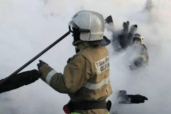 Под Брянском в Антоновке тушили пожар в жилом доме
