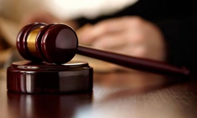 Двух брянцев осудят за вымогательство