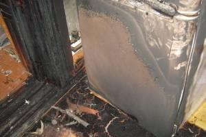 В Севске загоревшийся в магазине холодильник устроил переполох