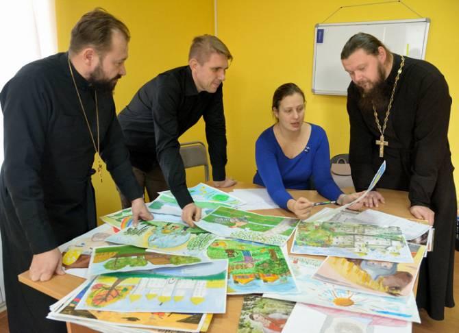 В Клинцах назвали победителей конкурса «Красота Божьего мира»