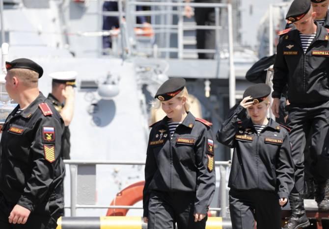 Кадеты из Брянска посетили полк морской пехоты в Дагестане