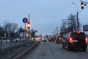 В Брянске водители проигнорировали запрет левого поворот к ДК железнодорожников