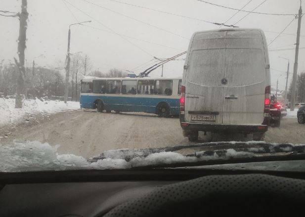 В Брянске на Городище троллейбус попал в ДТП