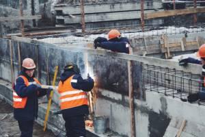 Почепские чиновники забыли взять неустойку со строителей очистных