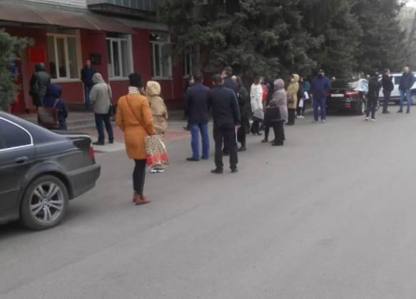 В Брянске выстроилась очередь за пропусками для движения по городу