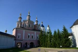 В Брянском монастыре побывали медики из «красной зоны»