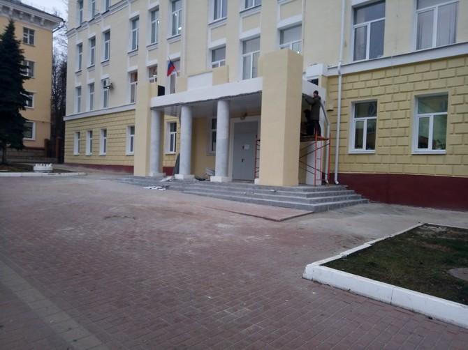 Брянскому строительному колледжу вернули исторический облик